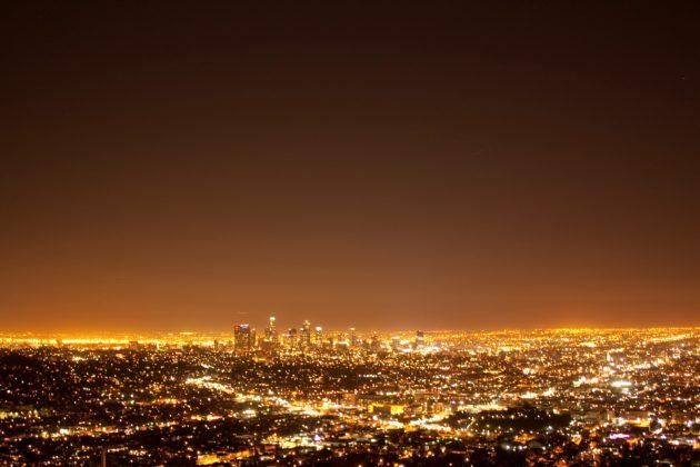 "<img src=""Griffith Observatory.jpg"" alt=""グリフィス天文台から見るロサンゼルスの夜景""/>"