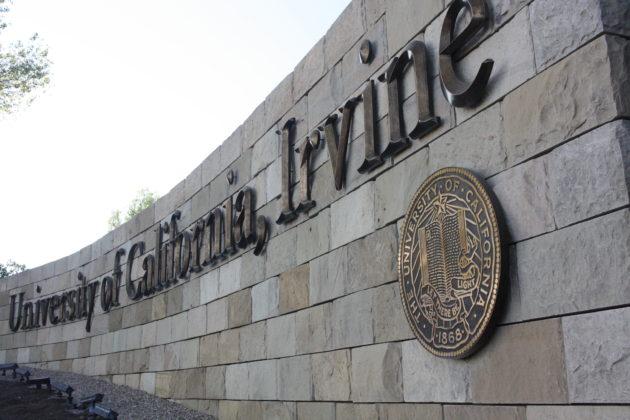 """<img src=""""University of California Irvine.jpg"""" alt=""""カリフォルニア大学アーバイン""""/>"""