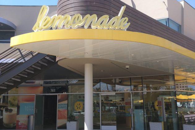 "<img src=""Lemonade.jpg"" alt=""アーバインおしゃれなレストランLemonade""/>"