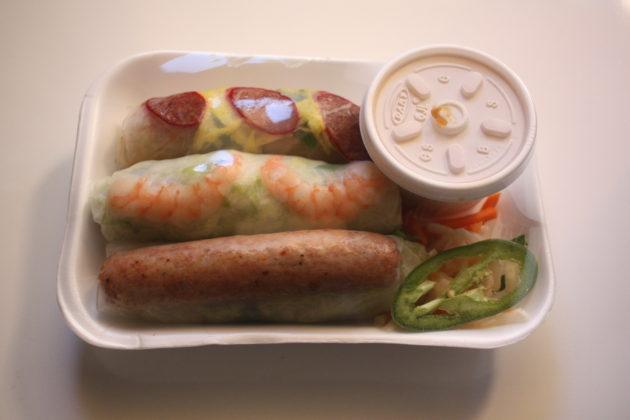 "<img src=""Tan Hoang Huong.jpg"" alt=""Tan Hoang Huong Sandwiches & Coffee 生春巻き""/>"