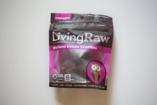 "<img src=""Chocolate.jpg"" alt=""ホールフーズLiving Raw Darkest Cacao Truffles""/>"