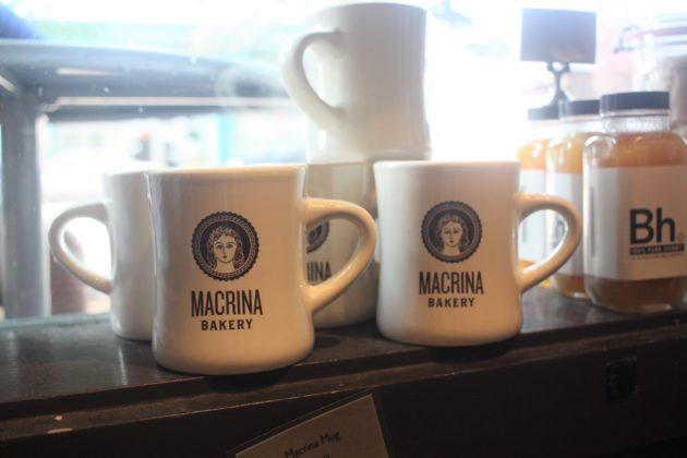 """<img src=""""Macrina Bakery.jpg"""" alt=""""シアトルMacrina Bakeryのマグ""""/>"""