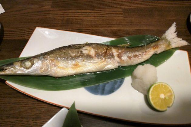"""<img src=""""Fish.jpg"""" alt=""""築地魚河岸のかますの焼き魚""""/>"""