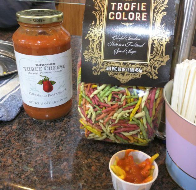 "<img src=""Trofie coloreSpiral Macaroni & Three Cheese Pmodoro Pasta Sauce.jpg"" alt=""トレジョトロフィエカラースパイラルマカロニとスリーチーズポモドーロパスタソース""/>"