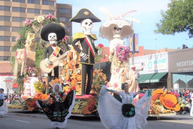 "<img src=""Pasadena Rose Bowl Parade.jpg"" alt=""パサデナローズボールパレード""/>"