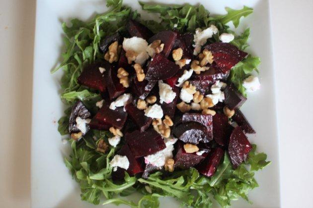 "<img src=""Beets Salad.jpg"" alt=""簡単ビーツサラダ""/>"